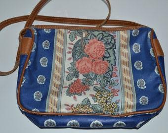 VTG Royal Blue Floral Purse // Richmark // Over the Shoulder // Adjustable Strap