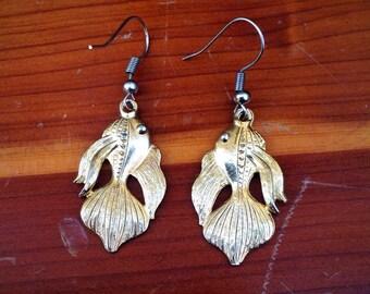 Gold Tone Asian Design Fish Earrings