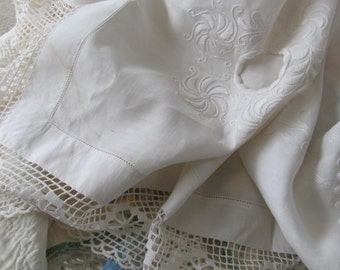 Stunning Vintage White Embroidered Tablecloth Holes for Napkins