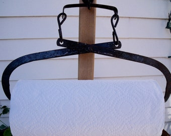 PAPER TOWEL HOLDER-anTiQue primitive Ice Tongs REcycled-plus a roll of Bounty Basics paper towels-GreaT black / Green / brown patina