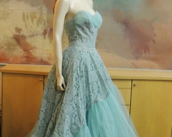 1950s Aqua Lace and Tulle Strapless Formal size S Cotillion Formals