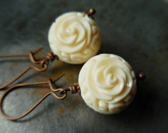 White flower earrings, cream white vintage beads. Synthetic carved coral lucite earrings. White roses earrings. Romantic gift. Ivory white