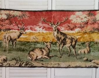 Vintage Wall Tapestry | Deer