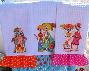 Dia de los MUERTOS Ruffled KITCHEN Towels Set of THREE