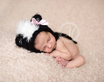 baby skunk bonnet // fall hat // newborn photo prop // woodland hat // boy // girl // fall photo prop // pink removable bow clip included