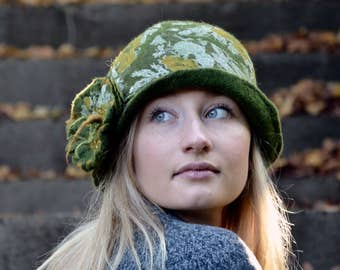 Vintage Felt Hat Felted Hat Cloche hat Felted wool hats Womens winter hats Felt hat for women unique felt hat Hat Felt hats Felt Cloche