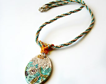 Daisy Macrame Necklace with Artisan Pendant - Macrame Jewelry - Micro Macrame Necklace
