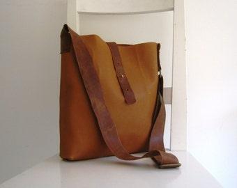 Camel / Saddle Genuine Leather Messenger