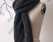 Dichotomy Scarf (handknit sample)