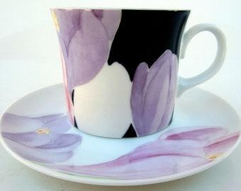 MIKASA Fine China Floral Tea Coffee Cup Saucer VOGUE Pattern Regal Purple Black Flower Japan