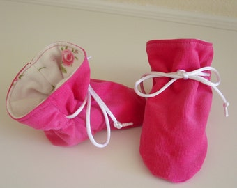 Hot pink corduroy TV booties/soft sole shoes Size Medium