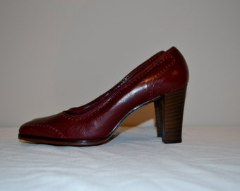 Vintage Shoes Spectator Oxblood Pump 1970's