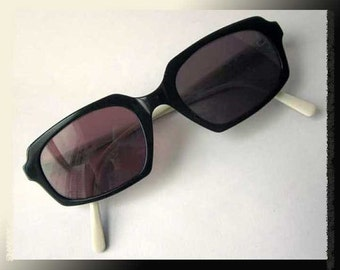 Gigli CHIC--Romeo Gigli Sunglasses,Cream/Black,Made in Italy,Vintage Accessories,Women