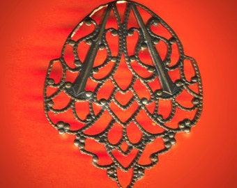Vintage 6 Extremely Stunning Art Nouveau Filigree Aged Raw Brass 32x37MM BL4