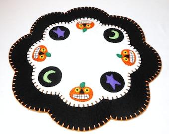 "Halloween Penny Rug  - 15.5"""
