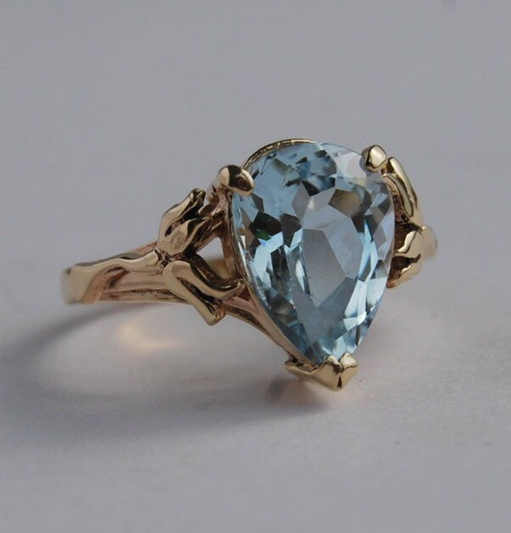 Ring Blue Topaz 14K Solid Gold Pear Gem flowers around stone Lily of the Valley large gem