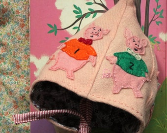 the three little pigs and the big bad wolf pointy hat