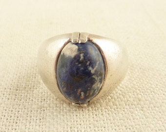 SALE ----- Size 9 Vintage Sterling Sodalite Stone Ring