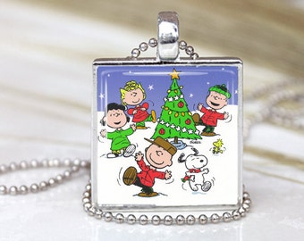 Vintage Snoopy PEANUTS Gang HAPPY DANCE Christmas Gift  Altered Art Pendant Charm Necklace