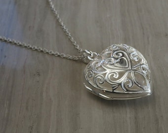 """Sterling silver gated heart locket on 18"""" silver chain"""