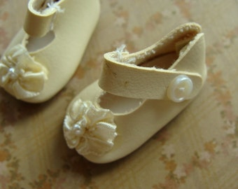 Vintage Sweet Mary Jane Doll Shoes with Rosettes