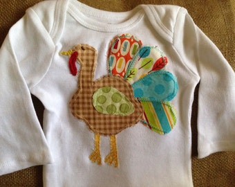 Turkey appliquéd one piece bodysuit, thanksgiving baby outfit, fall baby outfit, infant turkey applique
