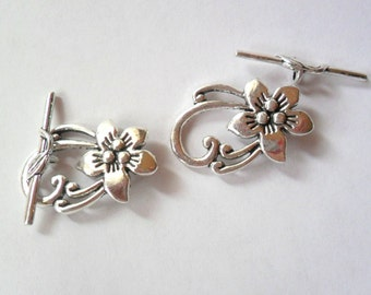 Flower Toggle Clasp in Antique Silver Lead Free Pewter, Set of 2