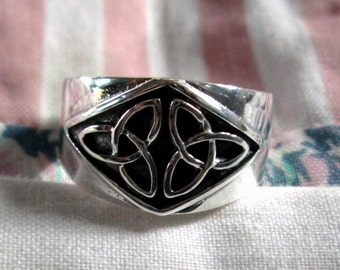 RING - Double  TRINITY Knots  - CELTIC  - Wide - Sterling Silver -  925 - Size 7 misc301