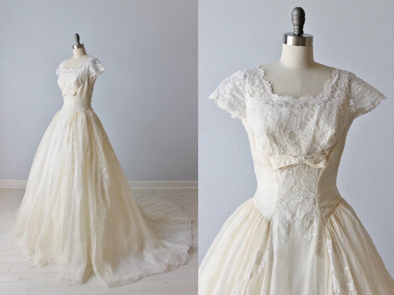 Vintage 1950s Wedding Dress Lace Wedding Dress Short