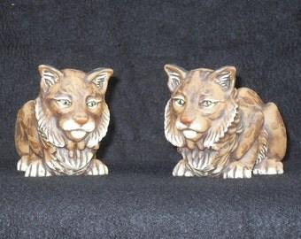 Ceramic bobcat sculpture