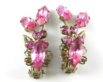 Vintage Floral Pink Costume Clip on Earrings.