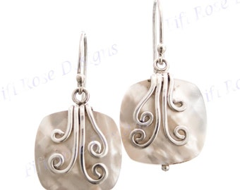 "9/16"" White Mother Of Pearl Shell 925 Sterling Silver Earrings"