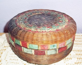 Vintage Antique Chinese Woven Reed Tea Basket - Early 20th Century Round Sewing Basket w/ Lid - Shabby Chic Original Red, Green Paint