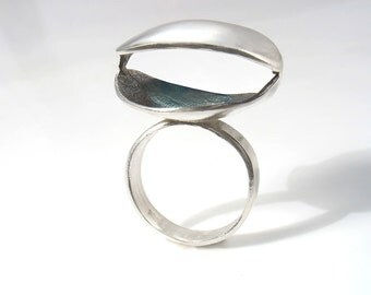 Oxidized empty clam sterling silver ring . Modern, organic clam shell silver  ring, sea ring. Original design, out of the box,statement ring