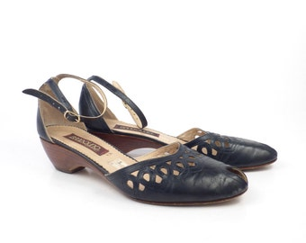 Navy Leather Shoes Blue Vintage 1980s Bandolino Women's size 8 S