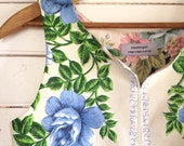 summer shirt sleeveless top - easy fit Small- 60s vintage blue roses