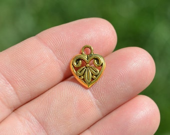 10  Gold Tone Heart  Charms GC1285
