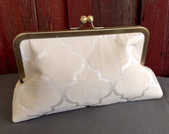 Ivory Bridal Clutch Handbag Bridesmaids Handbag for Bride or Bridesmaids in Delicate Ivory