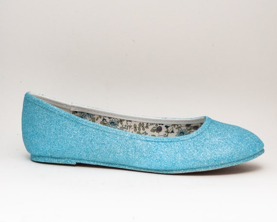 Overstock uses cookies to ensure you get the best experience on our site. If you continue on our site, you consent to the use of such cookies. Learn more. OK Blue Women's Flats Journee Collection Women's 'Vika' Black/Blue/Grey Rubber Round Toe Bow Ballet Flats. 25 Reviews.