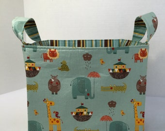 Ex-Large Riley Blake Giraffe Crossing 2Teal Fabric Organizer Basket with  Divider