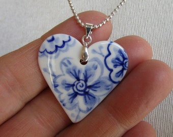 Small heart pendant necklace - Hand made and hand painted porcelain Dutch Blue Delftware necklace