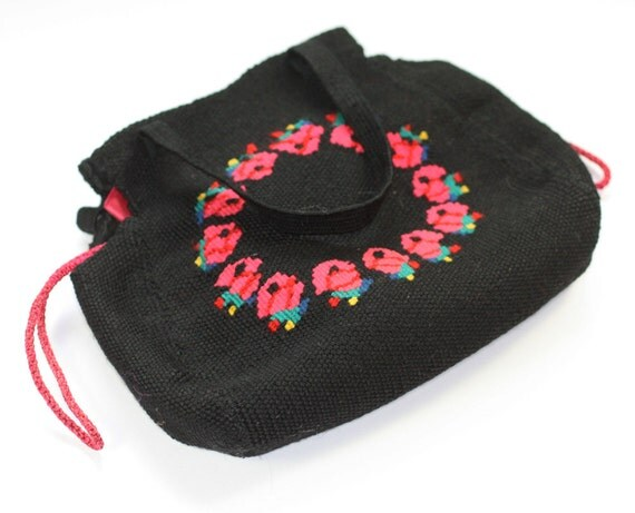 Black woven fabric handbag embroidered red roses by