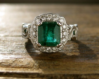 Emerald Engagement Ring in 14K White Gold with Diamonds & Emeralds in Flower Buds and Leafs on Vine Size 5