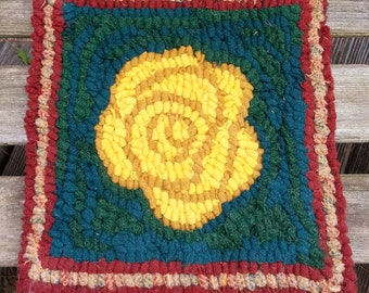 Beginner YELLOW ROSE  Primitive Rug Hooking Kit Includes cut wool fabric strips