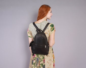 Vintage LEATHER BACKPACK / 1990s BLACK Daypack School Bag Purse