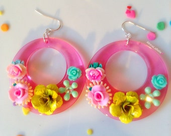 Flower Hoop Earrings, Vintage Flower Earrings, Lucite Earrings, Flower Power, Pastel Jewelry, Music Festival Jewelry, Summer Jewelry