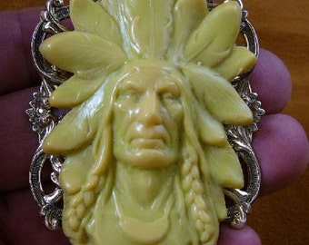 Native American proud Indian Chief with headdress cameo BRASS Victorian pin pendant brooch CL76-1