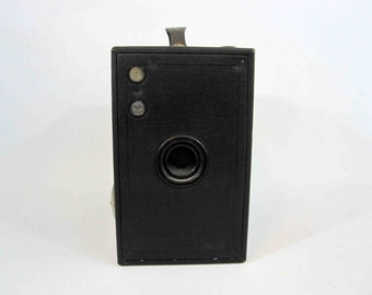 Vintage Kodak Brownie Model No. 2C Box Camera with Original Case. Circa 1920's.