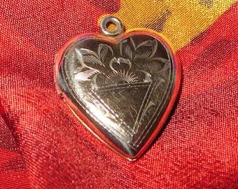 Antique Heart Gold Filled Over SterlingSilver Photo Locket Pendant Necklace Picture Frames