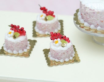 Red Currant Individual Pastry - Génoise Cake - Tiny Miniature Food in 12th Scale for Dollhouse